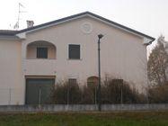 Immagine n0 - Porzione di trifamiliare e garage. Civico 14 - Asta 466