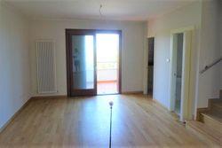Appartamento duplex (sub 19) con terrazzo