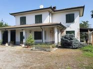 Immagine n0 - Detached house with garden and garage - Asta 4866