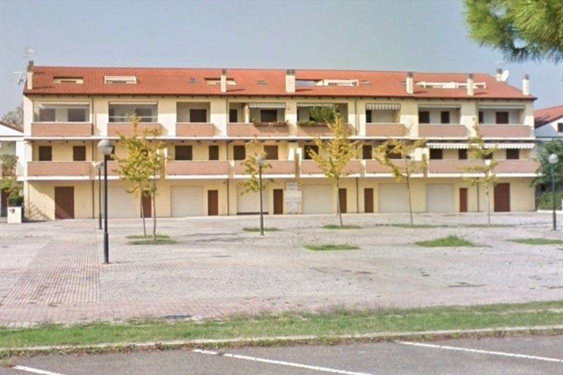3b6bc83256b2 Asta 4899: Appartamento al grezzo sub 117 vicino al mare - Real ...