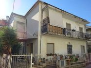 Immagine n0 - 1/2 share of two apartments - Asta 4945