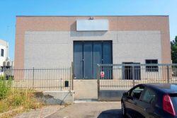 Capannone uso artigianale con ufficio e cortile - Lotto 4967 (Asta 4967)