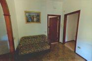 Immagine n2 - Quota 1/4 di appartamento semi arredato con cantina - Asta 4986