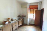 Immagine n3 - Quota 1/4 di appartamento semi arredato con cantina - Asta 4986