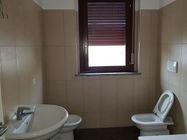 Immagine n5 - Appartamento piano primo (sub 9) con garage e cantina - Asta 5057
