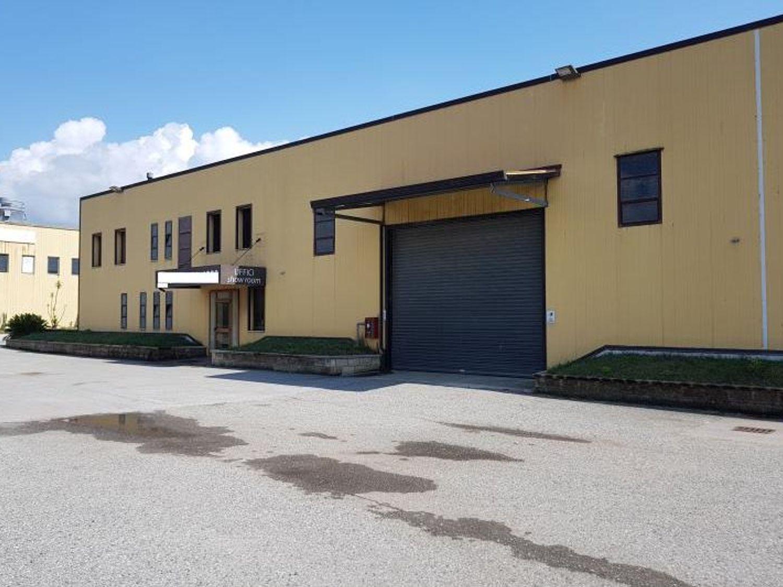 Immagine n. 1 - #5086 Capannone industriale con area uffici (Part. 102)