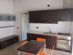 Appartamento al piano terra con cantina e posto auto (sub.104) - Lotto 5107 (Asta 5107)