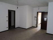 Immagine n0 - Appartamento al piano secondo con box auto e cantina - Asta 5147