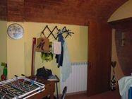 Immagine n6 - Appartamento al piano primo con magazzino - Asta 5170