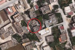 Two apartments with land - Lot 5175 (Auction 5175)