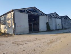 Craft complex with warehouse and attached locker rooms - Lot 5233 (Auction 5233)