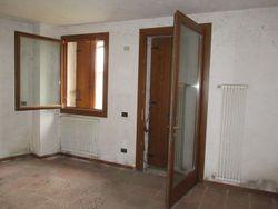 Appartamento (sub 10) in ex caserma ristrutturata