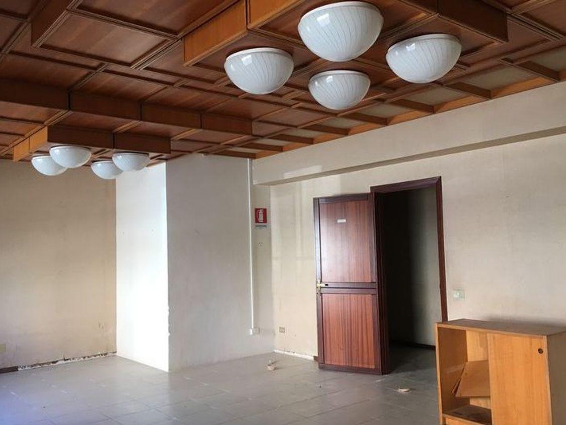 Asta 5614 ampia unita ad uso ufficio real estate discount for Ufficio discount