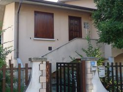 Detached house with garage and garden - Lote 5637 (Subasta 5637)