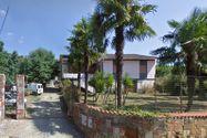 Immagine n0 - Villino con terreno agricolo - Asta 5663