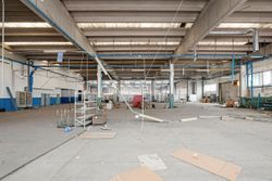 Capannone industriale con corte - Lot 5800 (Auction 5800)