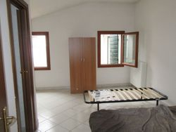 Accommodation with bedrooms and services - Lote 581 (Subasta 581)