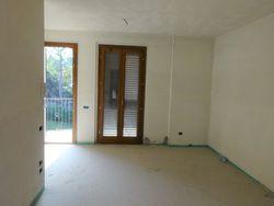 Appartamento grezzo piano primo (sub 20) e box auto
