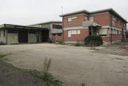 Immagine n0 - Capannone con palazzina uffici e piazzale - Asta 5823
