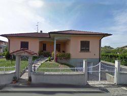 Villetta indipendente con giardino - Lotto 5861 (Asta 5861)