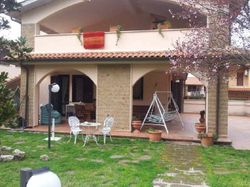 FEE   of a villa with garage and garden - Lot 5864 (Auction 5864)