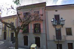 Abitazione terra-cielo in centro storico