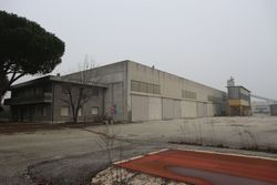 Industrial warehouse with apartment - Lot 6101 (Auction 6101)