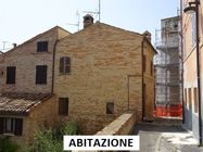 Immagine n1 - House and share of paving in the historic center - Asta 6361