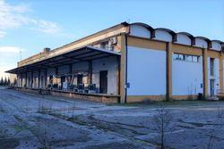 Opificio industriale con impianti e attrezzature