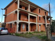 Immagine n1 - Unfinished residential real estate complex - Asta 6389