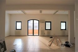 Offices on the first floor and storage rooms - Lote 6448 (Subasta 6448)