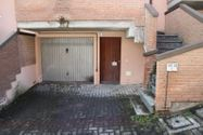 Immagine n0 - Appartamento al piano primo con autorimessa (sub 36) - Asta 6467