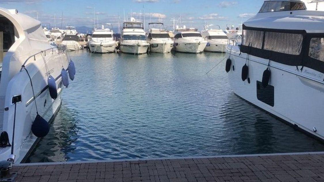 Boat dock C-1-D-T-16