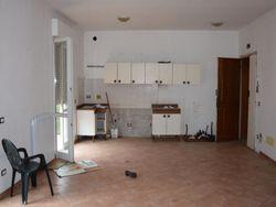 Appartamento con cantina (sub 12)