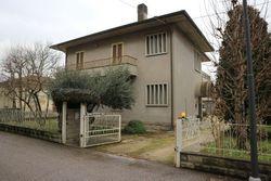 Casa indipendente con doppio appartamento
