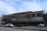 Immagine n0 - Palazzina con locali commerciali e appartamenti - Asta 6794