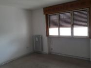 Immagine n3 - Shop with apartment and garage - Asta 6803