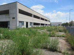 Industrial building on two levels - Lot 6855 (Auction 6855)