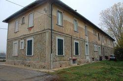 Tre appartamenti al piano primo