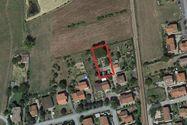 Immagine n0 - Quota 1/2 di terreno agricolo con box prefabbricati - Asta 688