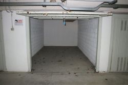 Car garage  sub     in underground parking - Lot 6897 (Auction 6897)