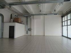 Commercial space with parking spaces - Lote 6930 (Subasta 6930)