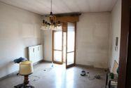 Immagine n2 - Appartamento piano terzo di palazzina e garage - Asta 6953