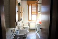 Immagine n6 - Appartamento piano terzo di palazzina e garage - Asta 6953