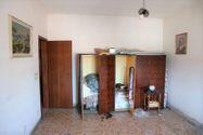 Immagine n7 - Appartamento piano terzo di palazzina e garage - Asta 6953