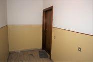 Immagine n8 - Appartamento piano terzo di palazzina e garage - Asta 6953