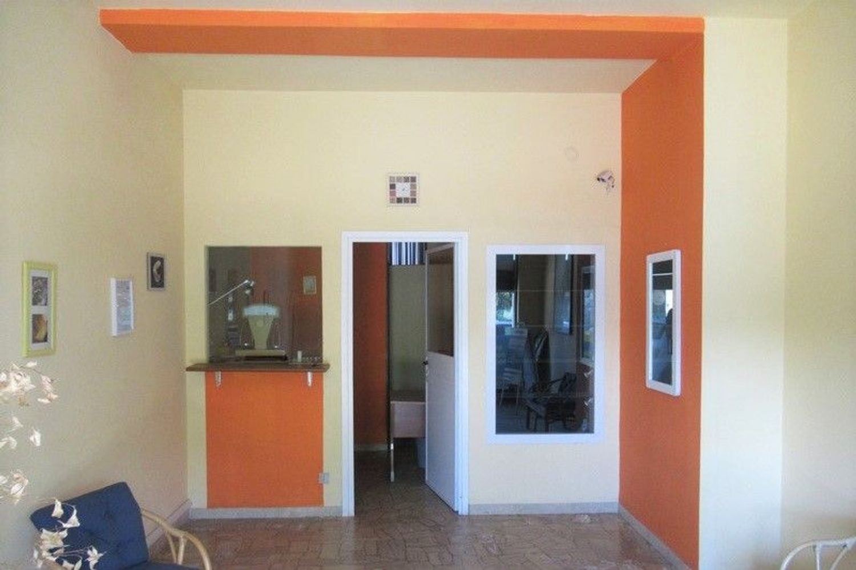 #6955 Bottega commerciale in palazzina residenziale in vendita - foto 2