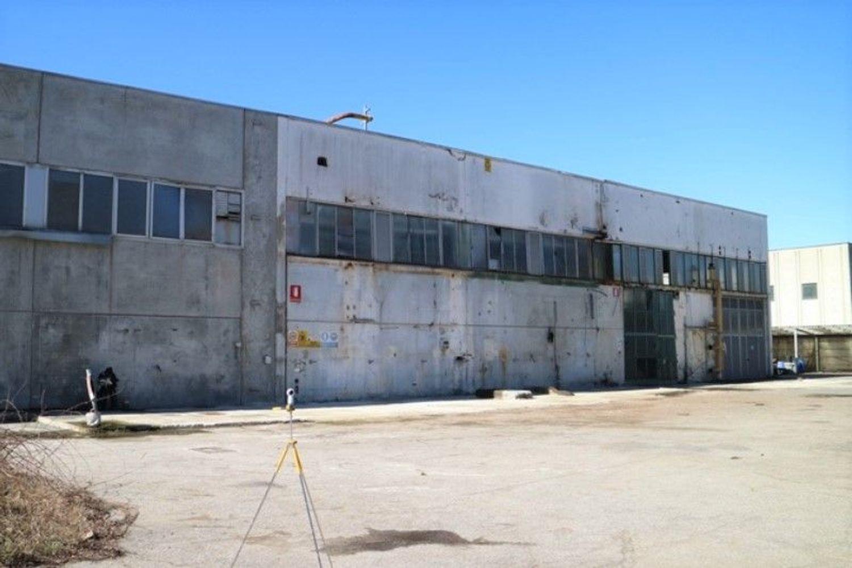 #7006 Opificio artigianale con vasche di depurazione in vendita - foto 6