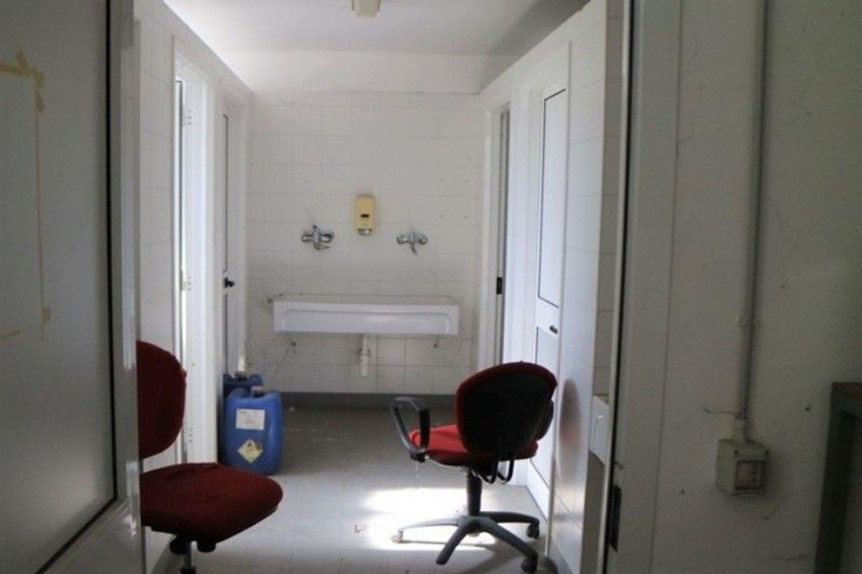 #7006 Opificio artigianale con vasche di depurazione in vendita - foto 10