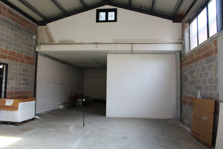 #7023 Laboratorio con uffici